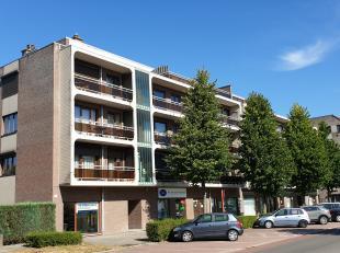 Penthouse aan de stadsrand van Hasselt, met 3 slaapkamers, 2 terrassen en 2 autostandplaatsen.<br /> <br /> LIGGING:<br /> De Hazelarenlaan is een