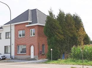 Mooie en gezellige gezinswoning, gelegen vlak aan het centrum van Kermt, een deelgemeente van Hasselt. Scholen, winkels, bakker, openbaar vervoer, opr