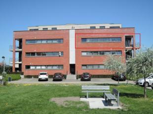 Onmiddellijk beschikbaar - te bezichtigen via www.rzk.be<br /> <br /> Appartement in autoluwe buurt, 81 m², instapklaar (voorzien van verlichting