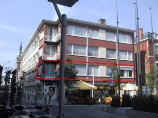 Beschikbaar - te bezichtigen via www.rzk.be<br /> <br /> Appartement, 1ste verdiep, met hal, living, keuken (keukenkasten, spoeltafel, gasvuur,oven, f