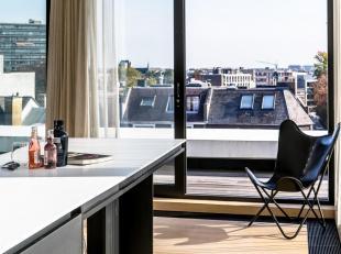 Beschrijving:<br /> Prachtige penthouse met subliem zicht en terras van 20 m² op een ideale ligging. Modern mooi enlicht appartement volledig ger
