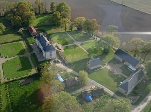 REGIO DOORNIK: Domein bestaande uit meerdere hectare voor seminaries (Ref. 17AD-CE)<br />  Gerenoveerde boerderij van de 18e eeuw<br />  Mogelijkheid