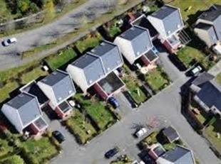 BRUSSEL (UKKEL): 3 nieuwe aangrenzende huizen te Fort Jaco in juni op te leveren (Ref. 18BN-UC)<br />  Huur: 3.200  per maand<br />  Raming der 3 hure