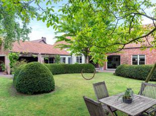 Karaktervolle langgevelhoeve met 6 slpk en 2 bdk op een perceel van 1109 m² met een tuin die een oase van rust uitstraalt net nabij het centrum v