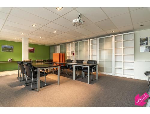 Bureaux à vendre à Wilrijk, € 249.950