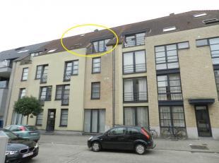 Hasselt: Mooi instapklaar duplex appartement met 2 slaapkamers.<br /> <br /> Zeer gunstig en aangenaam gelegen appartement nabij winkels, openbaar ver