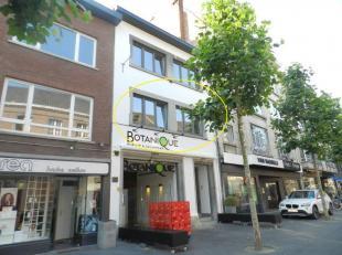 Hasselt: Prachtig centraal gelegen appartement met 1 slpk en ruim terras.<br /> <br /> Centraal gelegen appartement in hartje Hasselt. Vlakbij winkels
