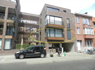 Hasselt: Centraal gelegen instapklaar appartement met 2 slpks.<br /> <br /> Het betreft een mooi appartement met 2 slaapkamers gelegen aan de Maastric