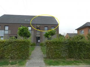 Hasselt: Gelegen op een gunstige locatie treft u dit duplex appartement met 2 slpks en zonnig terras. <br /> <br /> Het appartement  is zeer gunstig g