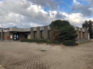 Uitstekend gelegen projectgrond te centrum Diepenbeek. <br /> Voormalig Bpost post kantoor met de volgende kenmerken : <br /> * totale perceelsoppervl