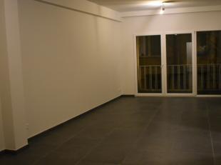 2 appartementen beschikbaar bestaande uit 2 slaapkamers, keuken met ingebouwde toestellen, badkamer met douche, apart toilet, woonkamer en achteraan t