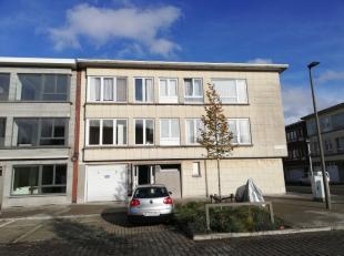 mooi nieuw gerenoveerd appartement bestaande uit 2 slaapkamers, badkamer met douche, woonkamer, berging en balkon. Maandelijkse provisiekost van 135 e
