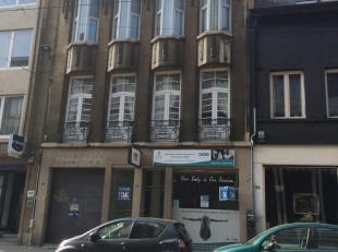 Het betreft een zeer goed gelegen commercieel gelijkvloers in het centrum van Antwerpen, m.n. Mechelsesteenweg.Het pand leent zich voor vele activitei