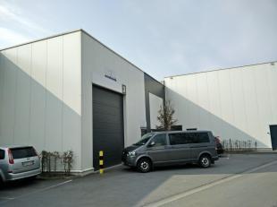 Wij bieden deze moderne KMO-unit te Wommelgem te huur aan. Het pand heeft een oppervlakte van 457 m². Eventueel kan er een kantoor van ca. 45 m&s