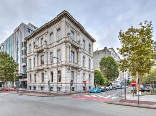 In het centrum van Antwerpen bieden wij op de hoek van de Frankrijklei en de Marie-Henriettalei een prachtig stadspaleis aan. Dit herenhuis dateert ui