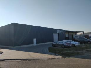 Het betreft een modern bedrijfsgebouw gelegen in de bedrijvenzone Krekelenberg I, donkerpaars ingekleurd op het gewestplan.  Deze bedrijvenzone is gel
