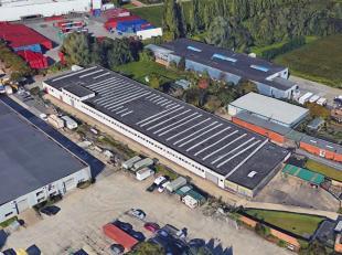 Op deze schitterende locatie, vlakbij de A12, bieden wij een functionele opslagruimte van ca. 3 351 m² aan met ca. 234 m² casco kantoorruimt