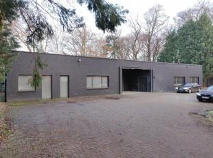 Het betreft 2 functionele bedrijfsgebouwen op een terrein van ca. 3 866 m², gelegen achter Brasserie De Hoge Boom.Hoofdgebouw: 889 m², bijge