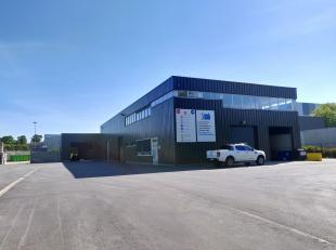 Het betreft een gerenoveerd industriegebouw, gunstig gelegen in industriezone 'Polderstad' te Antwerpen-Hoboken.<br /> Het geheel omvat ca. 1 759 m&su
