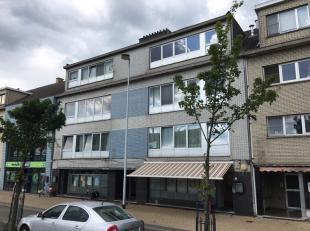 Op het Groenplein in Zelzate bevindt zich dit appartementsgebouw. Het gebouw bestaat uit 6 appartementen (waarvan op dit moment 5 appartementen verhuu