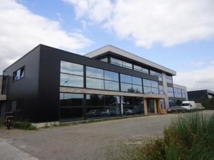 Diverse recente en gerenoveerdekantoren met een oppervlakte vanaf 30 m² tot maximaal 800 m² gelegen op het industrieterrein Genk-Noord Zone