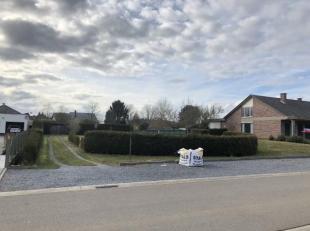 Perfect gelegen ruime bouwgrond van 7a12ca in Eggers, Tessenderlo. De bouwgrond is geschikt voor een halfopen bebouwing. Geen overstromingsgevoelig ge