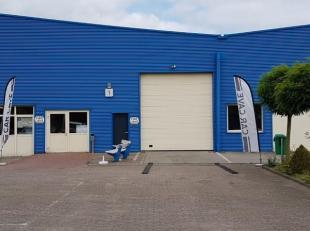 Polyvalente bedrijfsunit met een oppervlakte van 1.110 m² en inpandig een kantoorruimte gelegen op het bedrijventerrein Kiewit/Hasselt en vlakbij