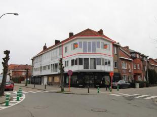 Deels gerenoveerd en gunstig gelegen (investerings) appartement, 2 slpk. Goed gelegen binnen de grote ring van Hasselt aan het gezellige Sint Hubertus