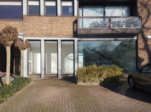 Gelijkvloerse ruimte van 181 m² met de mogelijkheid deze om te vormen naar een appartement (vergunning Stad Genk dd. 6 november 2018). Het pand i