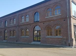 Authentieke kantoren in loftstijl gelegen op de C-Mine site te Genk. Deze kantoren hebben een oppervlakte van 300 m² en voldoende parking op eige