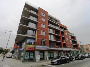"""Zeer mooi, ruim appartement aan de kleine ring en vlakbij de demerstraat, gelegen op de hoek Thonissenlaan-Kempische Steenweg in """"res. de maalderij""""."""