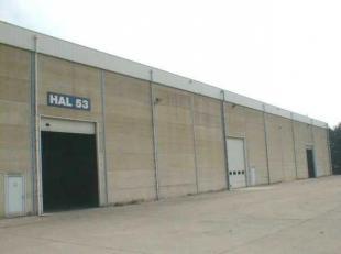 Goed gelegen opslaghallen 2.156m² en 40 m² kantoorruimte gelegen op het industrieterrein Genk-Zuidnabij Ford fabrieken en afrit 30/31 van E3