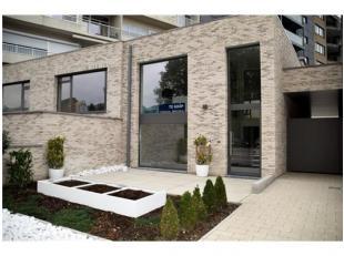 Op wandelafstand van het bruisende centrum van Genk ligt op de Bochtlaan 30 deze prachtige nieuwe duplexwoning. De snelweg E314 ligt op slechts 5 min