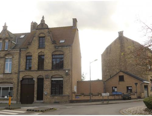Gemengd gebruik te koop in Veurne, € 315.000