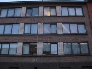 Leuk appartement op de derde verdieping beschikbaar met hall, living, badkamer met aansluiting voor wasmachine, lavabo, wc, douche,  berging, twee sla