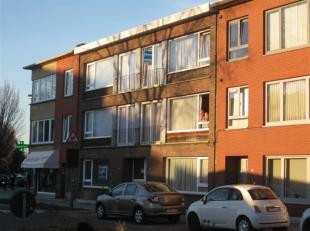Leuk appartement te huur op de 2de verdieping te Deurne. Indeling: hall-living met sierschouw-kleine en grote slaapkamer-badkamer met douche en lavabo