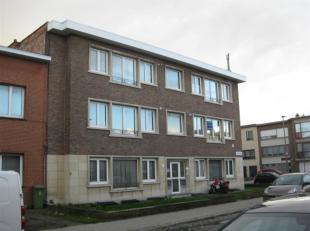 Appartement met 1 slaapkamer te huur aan de Louis Janssenslaan 37. Indeling: Living, keuken (met kasten, elektrisch vuur, enkele spoelbak, dampkap, ko