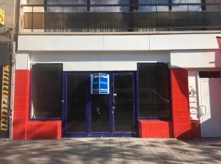 Handelsruimte te huur aan de Bredabaan 483, 2000 Antwerpen. Het pand heeft een oppervlakte van 270m2 en bestaat uit een gelijkvloers met een berging,