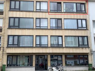 Appartement te huur op de 3de verdieping aan de Jan Moorkensstraat 17, 2600 Berchem. Dit appartement omvat een Inkomhall, met ingemaakte kasten - Livi