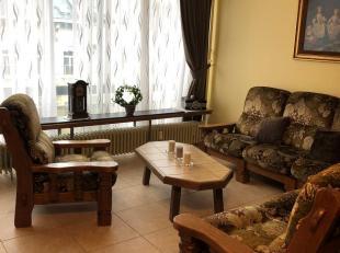 Een gemeubelde studio te huur op de 4de verdieping aan de Plantin en Moretuslei 8, 2018 Antwerpen. De studio omvat een Living/Slaapruimte, met dubbele