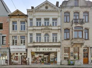 Deze authentieke burgerwoning is gelegen in de historische stadskern van Lier, naast de prachtige Sint-Gummarustoren, één bruggetje over