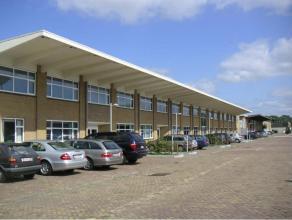 Zeer goed gelegen kantoorruimte, opp. v.a. 400m², gelijkvloers, in Business Park Hasselt. Lift, thermische en akoestische isolatie, tapijt, D/H-s