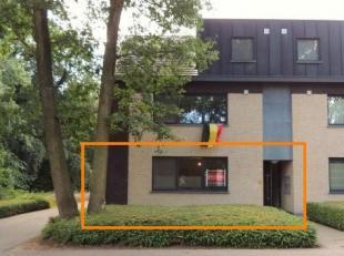 Mooi gelijkvloers 2 slaapkamer-appartement met een oppervlakte van +/- 120 m² dat deel uitmaakt van een kleinschalige residentie (4 appartementen