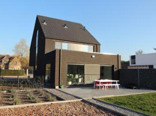 Zoekt u een energiezuinige woning voorzien van alle moderne comfort, dichtbij alle faciliteiten en met veel ruimte ? Zoek dan niet langer en maak snel