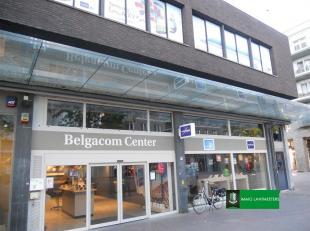 525 m² handelsruimte op een toplocatie in Genk centrum.<br /> Dit voormalig Proximus businesscenter en Quick restaurant is gelegen op de hoofdas