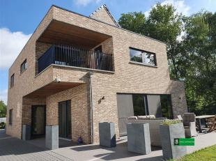 Kleinschalig appartementen complex van 2 appartementen. <br /> Ideaal als investeringsgoed of om samen, maar toch apart te wonen.<br /> Dit goed werd