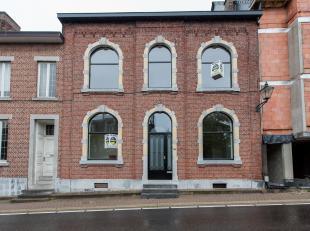 Volledig gerenoveerd herenhuis met 7 slaapkamers en 3 autostaanplaatsen gelegen in het centrum van Bilzen, Brugstraat 36.<br /> <br /> Unieke locatie