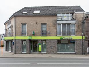 Dakappartement met 2 slaapkamers gelegen in het centrum van Munsterbilzen, Zavelstraat 1.<br /> <br /> Winkels en openbaar vervoer bevinden zich op ko