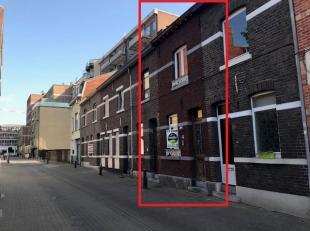Uiterst unieke karaktervolle woning met stadstuin op toplocatie midden in het centrum van Hasselt vlakaan de Havermarkt en het Leopoldplein. Dit opmer