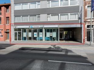 Handelsruimte van 364m² met 5 overdekte garages op toplocatie binnen de Ring rond centrum Hasselt, Martelarenlaan 12.<br /> <br /> Dit unieke aan